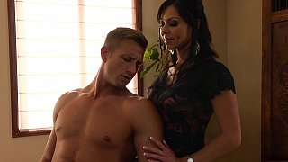 Too horny cougar Kendra Lust