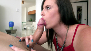 Raunchy slut Virgo Peridot gives him a noisy deepthroat