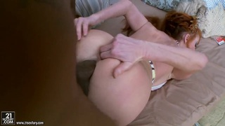 Horny Taylor Wane gets her ass stretched