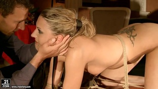 Hot Joanna gets tied down to be played with