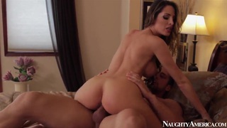 Johnny Castle fucks slender bimbo Kortney Kane
