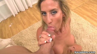 Gianna Foxxx Gets Nailed!