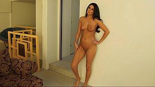 Natural titted cougar Nikki Daniels