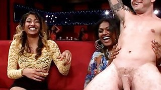 Stripper is delighting chicks with his sexy acts