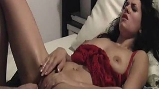 Beautiful amateur model loves being fist fucked