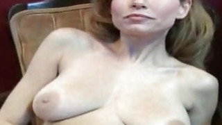 Amateur slut rubbing snatch for dirty cash