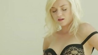 Blonde with unbelievable pink hole fuck