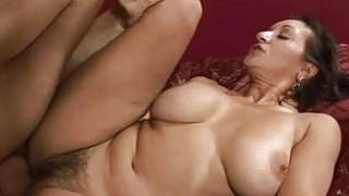 Mom boasts of her engulfing and riding skills
