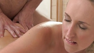 Masseur fucks blondes butt cheeks