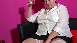 OmaHotel Busty mature grannies masturbating